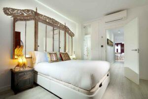 asian headboard bedroom in high end apartment in the albaicin granada