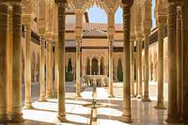 alhambra guided tour for nasrid palaces lions court, Granada Spain