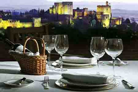 best restaurant in granada to eat out in romantic setup, in front of alhambra, granada